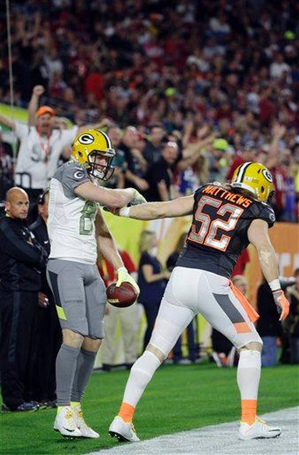 Photo Gallery Team Irvin Defeats Team Carter 32 28 In Pro Bowl Green Bay Packers Green Bay Packers Fans Green Bay Packers Players