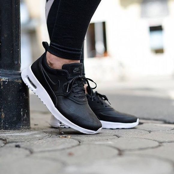 Women's Nike Air Max Thea Leather