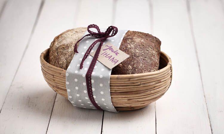 Vie lahjaksi käsin tehty leipä - Fazer
