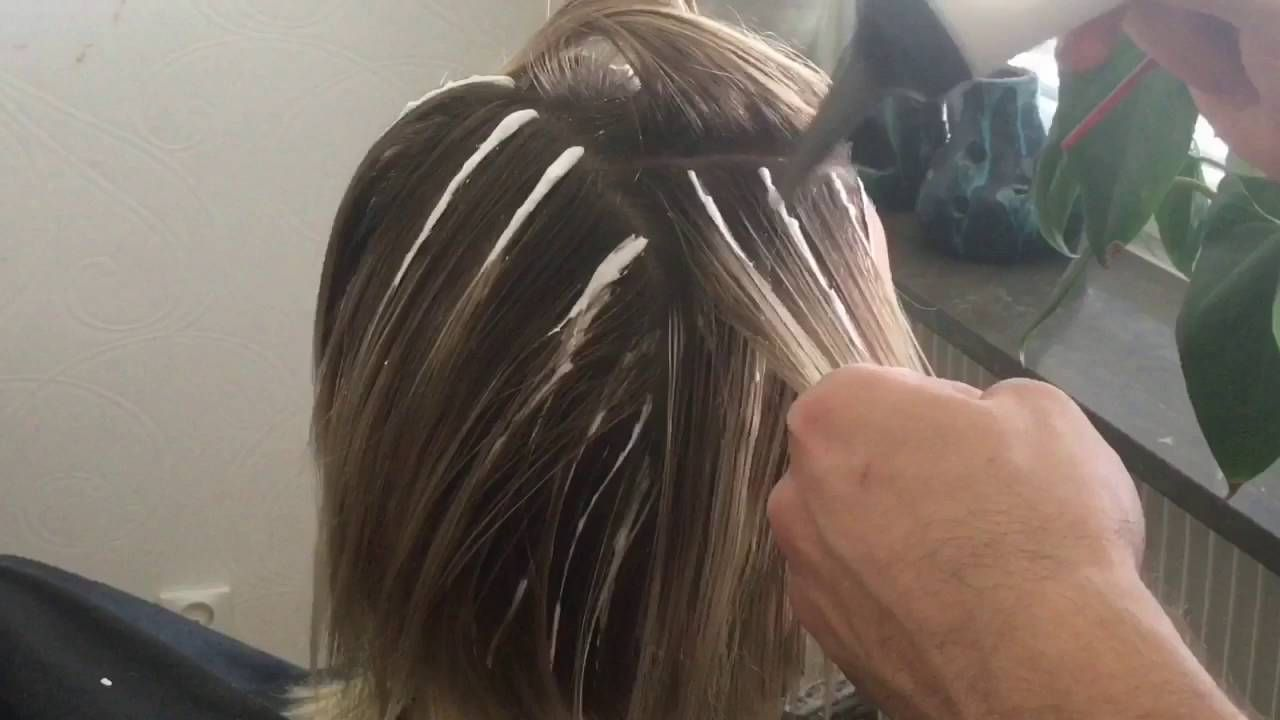 How Easy To Color Highlights At Home Youtube Hair In
