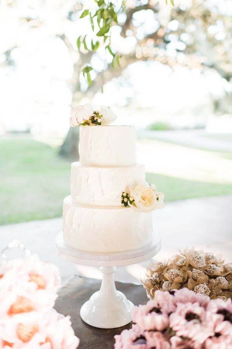 This Houston Wedding Had a Texas-Sized Dessert Table | Wedding cake ...