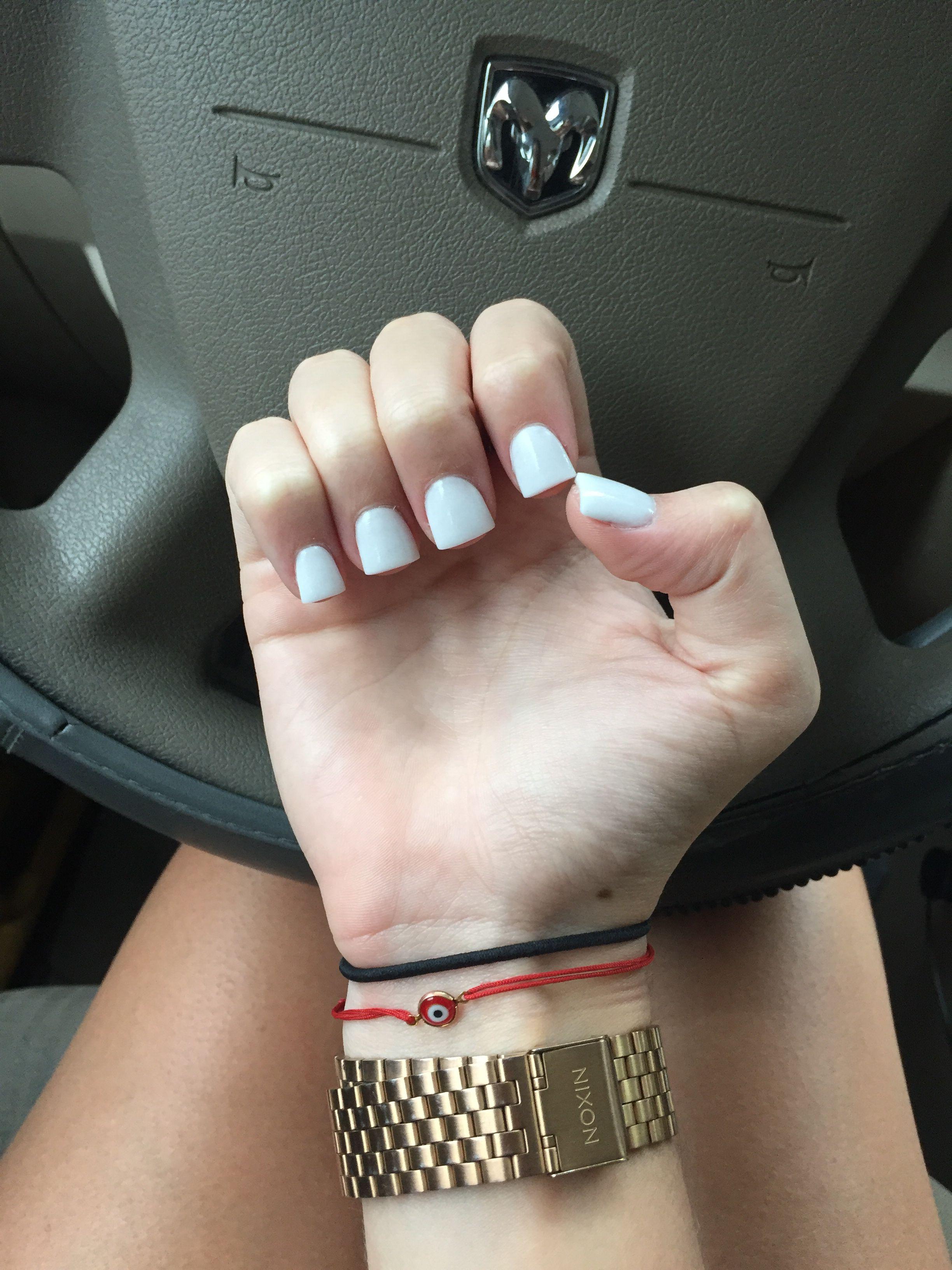 White short acrylic nails