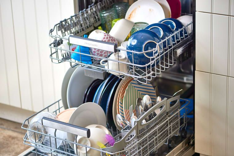 Our 30 Best Tips For Loading And Using The Dishwasher The Correct Way Vinegar In Dishwasher Hard Water Spots Dishwasher