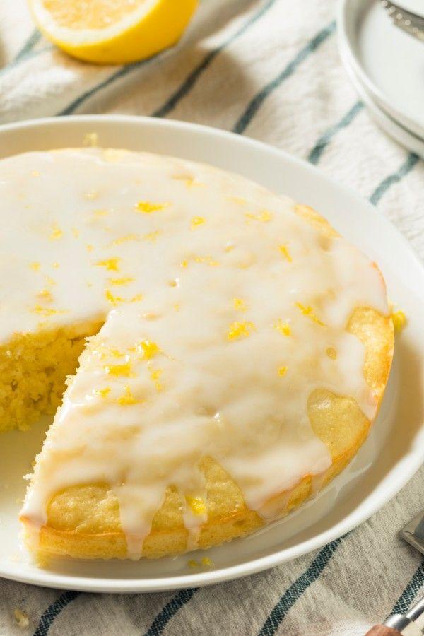 Super-saftiger Limoncello-Kuchen mit fruchtiger Glasur