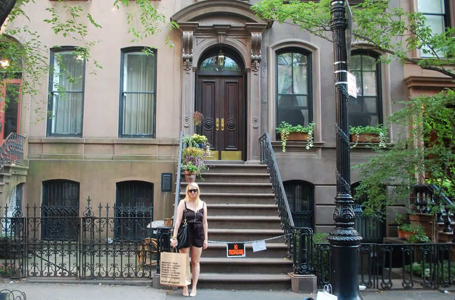 Carrie Bradshaw S Apartment Where And The City Was Filmed Is Actually In West Village As Opposed To Uptown Like She Said Show