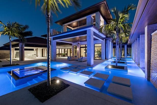 Gorgeous Backyard Getaways That Embrace And Make The Outdoors Truly Great Luxury Pools Outdoor Lounge Area Modern Outdoor Lounge