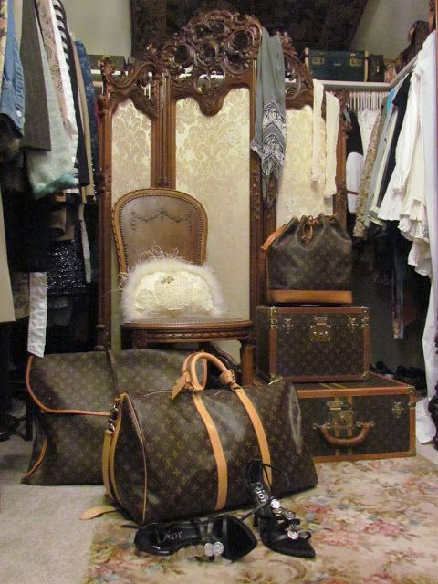 delusions of grandeur: My Paris Garret Closet.....