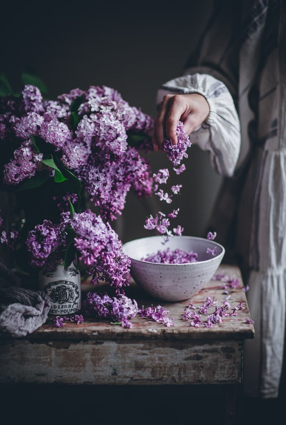 Pin By صورة و كلمة On Yeah I Love Flowers Lilac Flowers Instagram Floral Photography