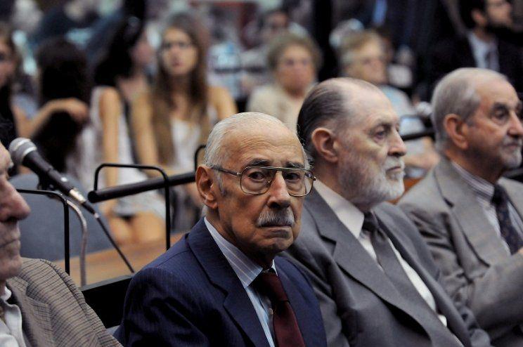 El dictador Videla pide que haya otro golpe de estado http://www.minutouno.com/c281206