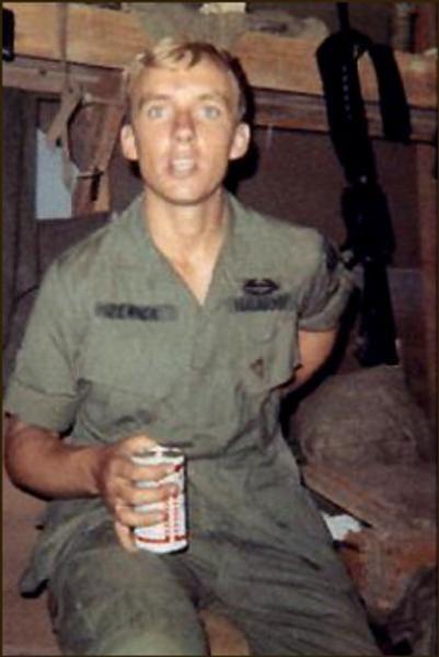Virtual Vietnam Veterans Wall Of Faces Robert J Zenick Army Vietnam Veterans Vietnam Veterans Memorial Vietnam War Photos