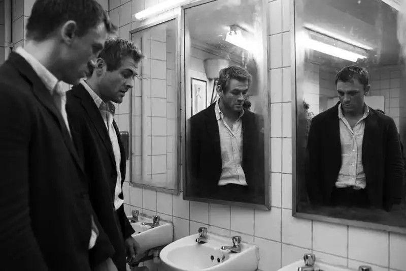 Casino royale bathroom fight aston martin dbs james bond casino royale price