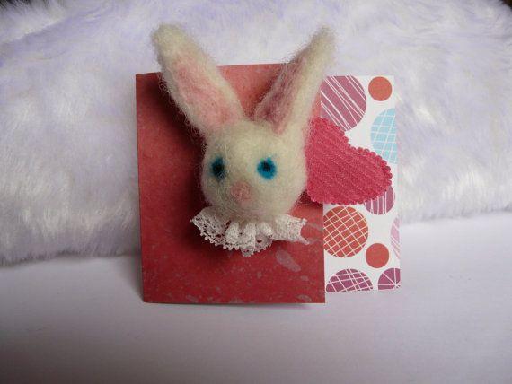 Haarspeldje voor meisje, kleuter, baby. Lief konijntje, naaldvilt, roze hartje. Alligatorclip met antislip, ook voor dun en fijn haar. Kado