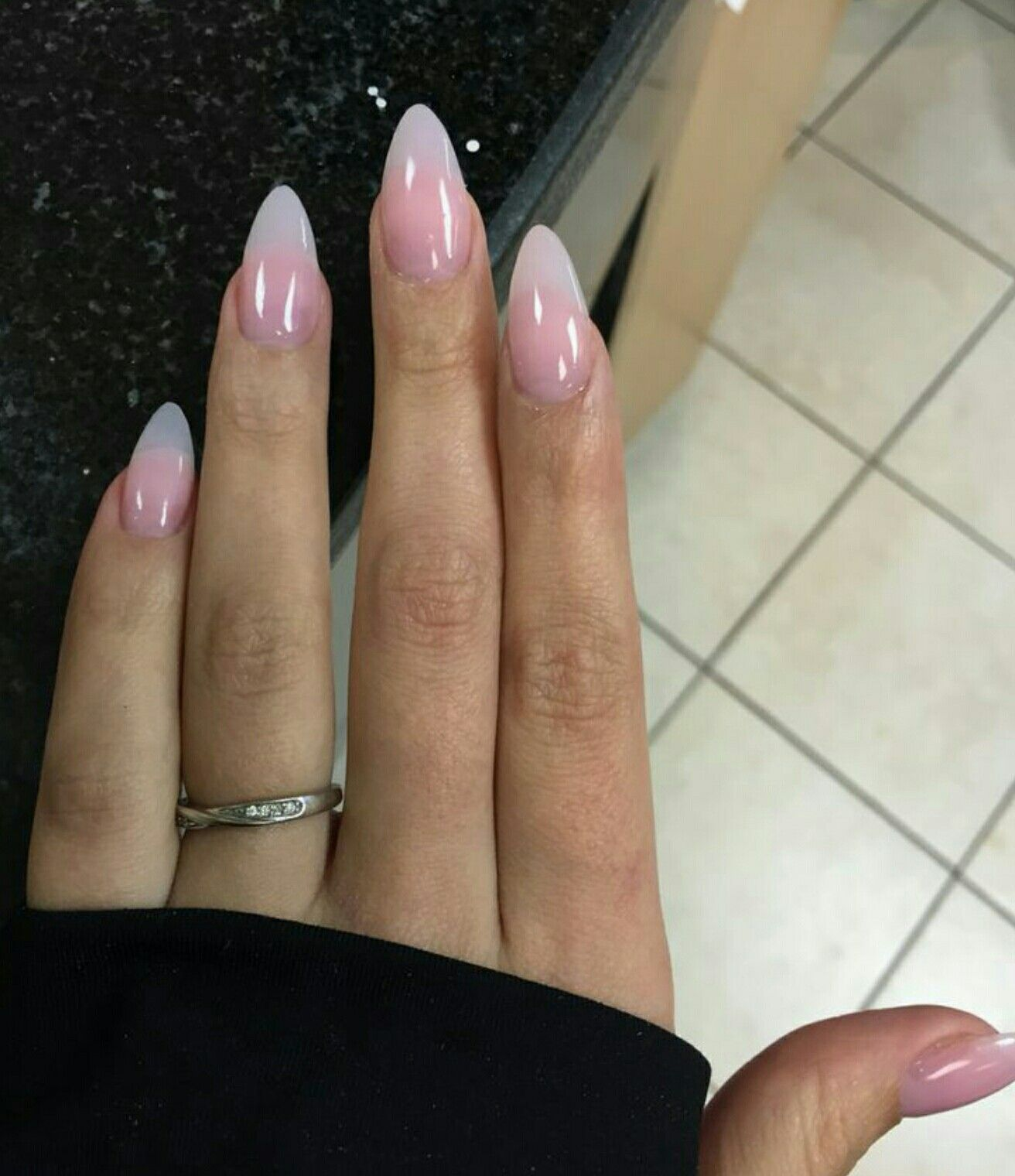 Clear Pink Almond Cred Vanessa Paris Natural Acrylic Nails Almond Acrylic Nails Almond Nails Designs