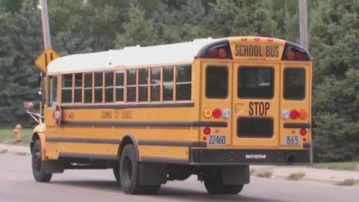 Ccs Officials Say Person In Clown Mask With A Knife Chased Student Clown Mask Clown Student