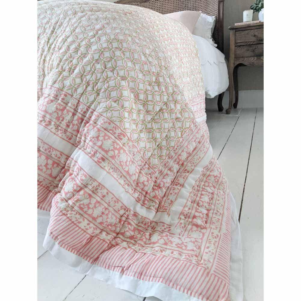Abundance Pink Cotton Quilted Bedspread In 2020 Quilted Bedspreads Bed Spreads Cotton Quilts