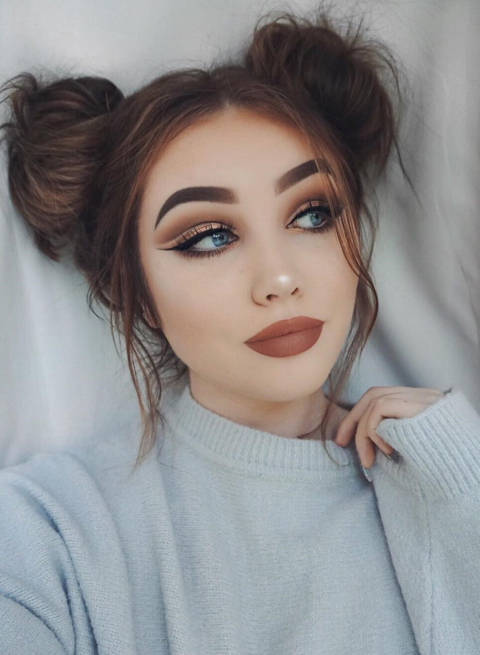 46 Amazing Makeup Looks To Try Fancy Makeup Bun Hairstyles Hair Styles