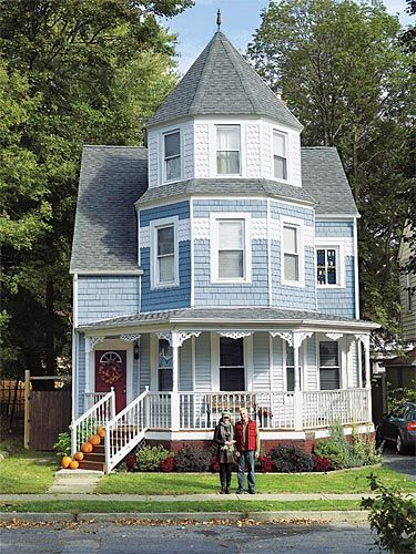 My Fiancee Merle And I Wanted An Old House And Found Ourselves Drawn To Newburgh N Y Where The Streets Are Lined With Vic Victorian Homes House Blue House