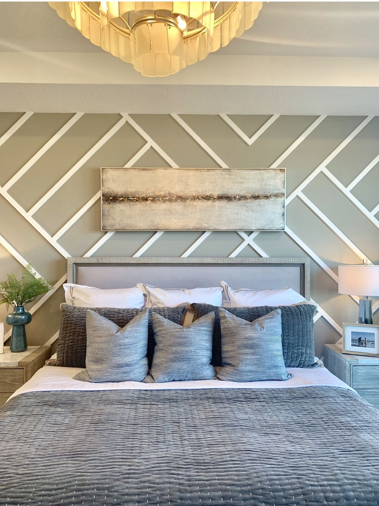 Master Bedroom Idea With Accent Wall In 2020 Accent Wall Bedroom Accent Wall Master Bedroom