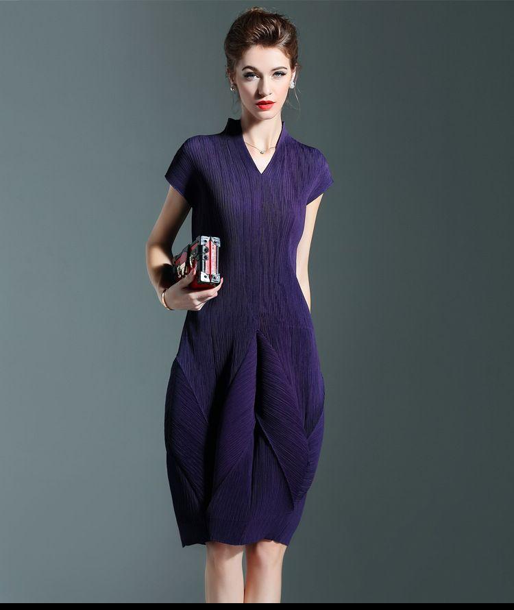 ed4ffa5851dfe55 Плюс Размеры платье женские летние модные v образным вырезом Рубашка с  короткими рукавами одноцветное Miyake складки