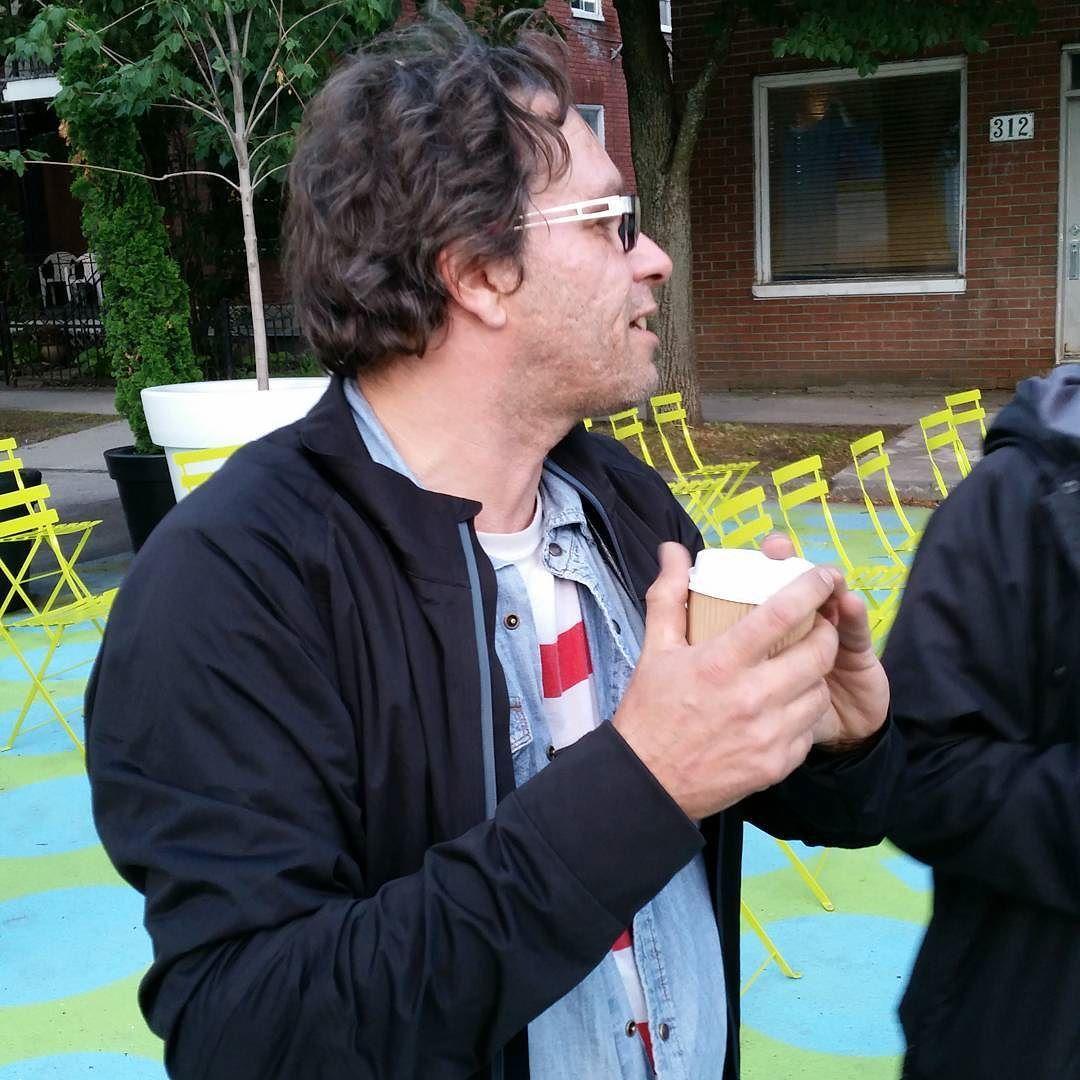 Daniel charlebois DT du FCVQ vous attend pour la projection  #outdoorscreens #outdoorcinema #narcityquebec #QCFF #FCVQ #festival #screen