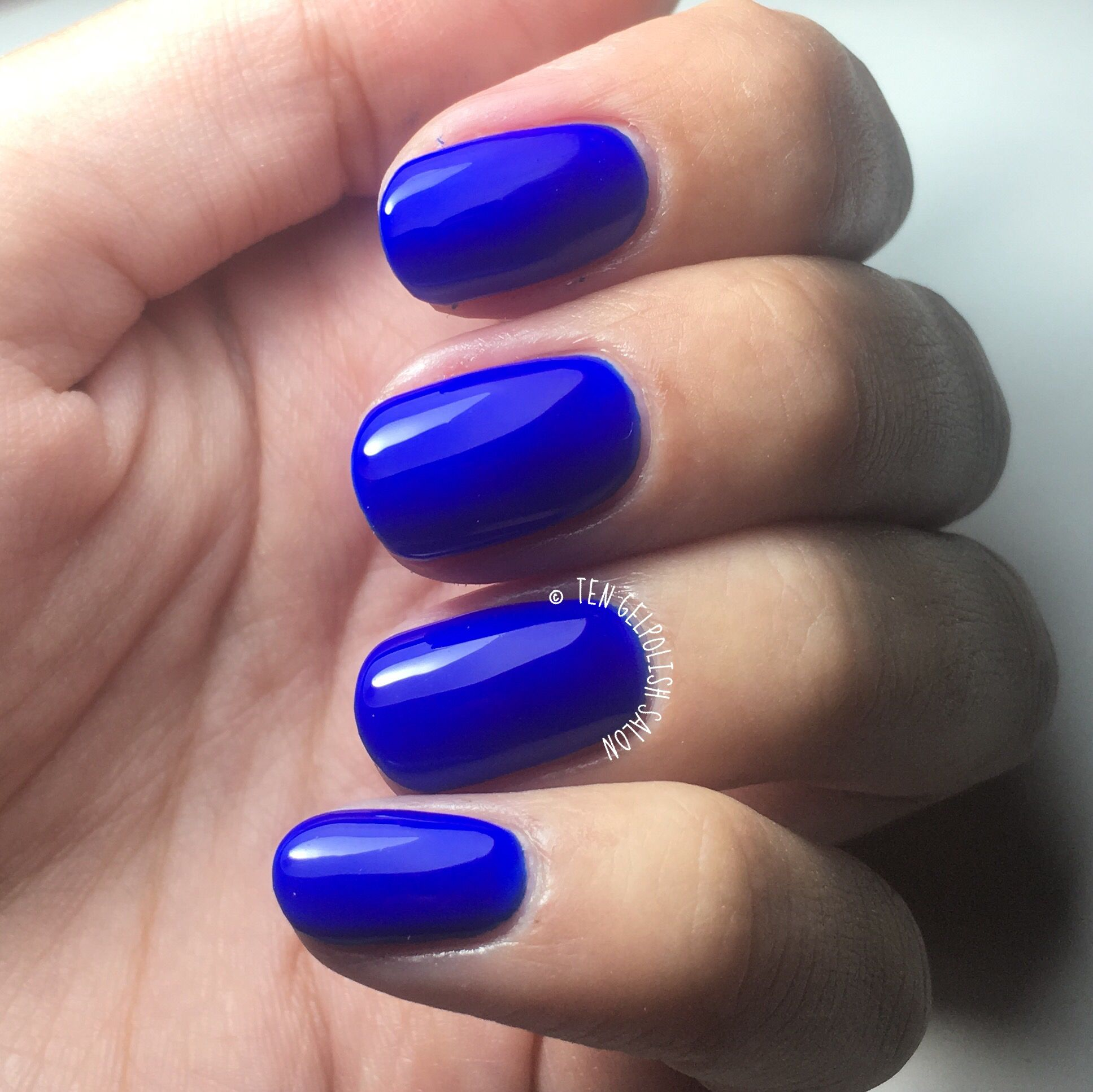 Gelpolish on natural nails - Venalisa number 939 - kingsblue ...