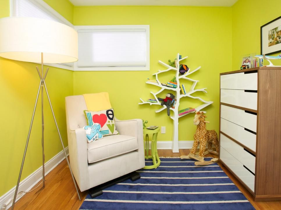 This eclectic nursery mixes colors and styles into a creative - home office arbeitnehmer arbeitgeber