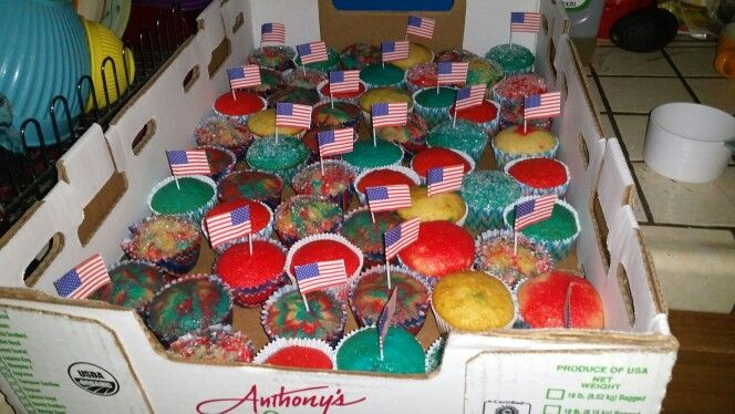 4th of July cupcakes, tye dye, marbel, and just good ol' plain red white and blue