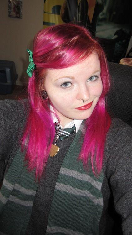 Narcissa Malfoy Pink Hair Green Bow Harry Potter Hogwarts ...