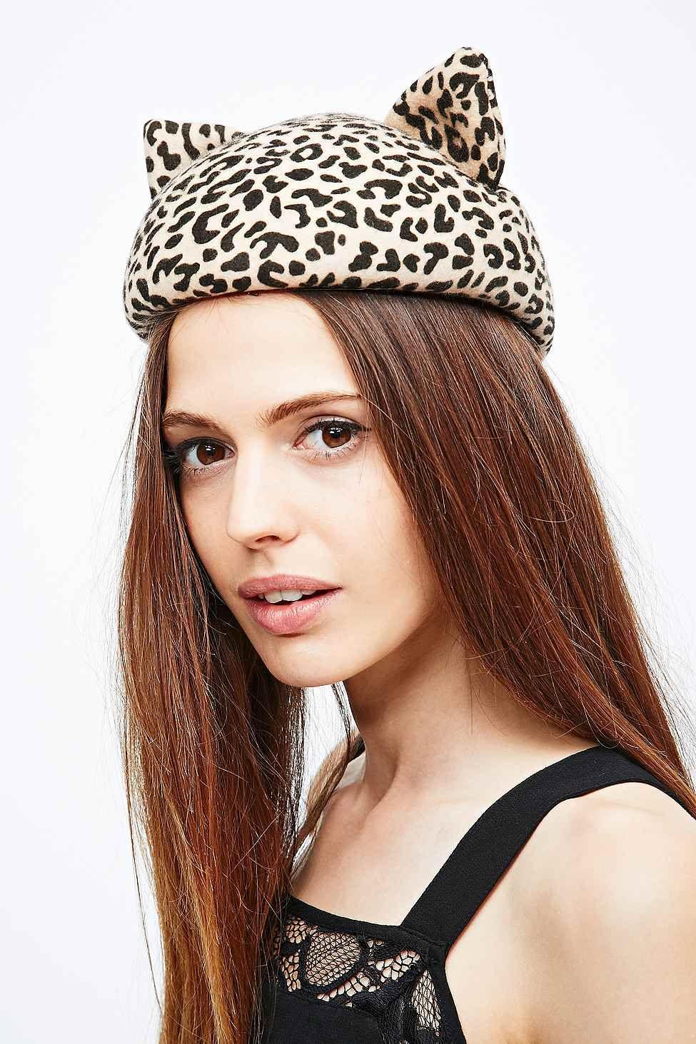 Helene Berman - Bonnet chat à imprimé léopard - Urban Outfitters