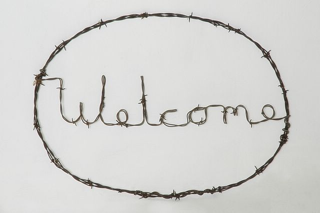 http://www.artfromthefarm.com/photos/images/barbed_wire_art___ ...