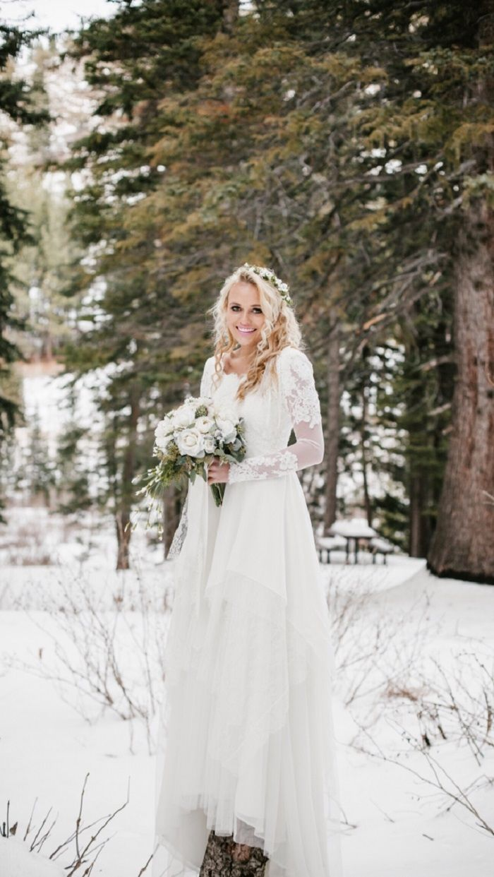 26 Winter Wedding Gowns For Any Winter Wedding That You'll