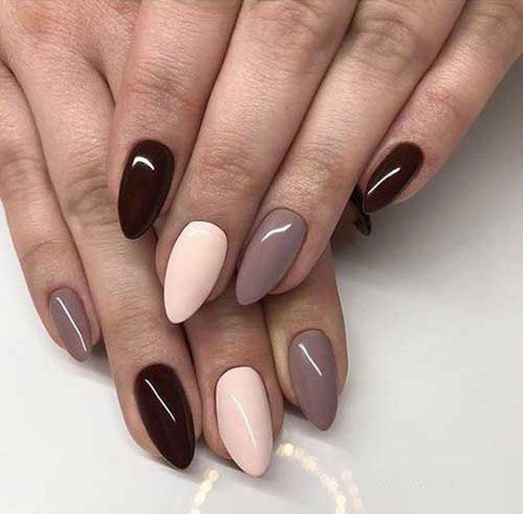 25 Easy Fall Nails Art Design For Women Over 60 Brazowe