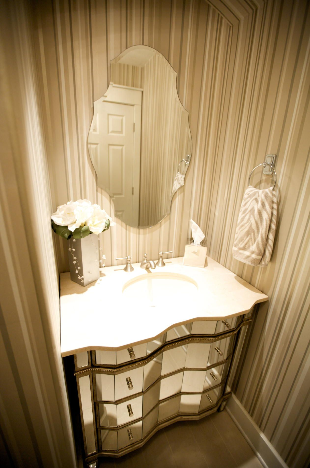 Bathroom Mirror Ideas (DIY) For A Small Bathroom | Powder room ...