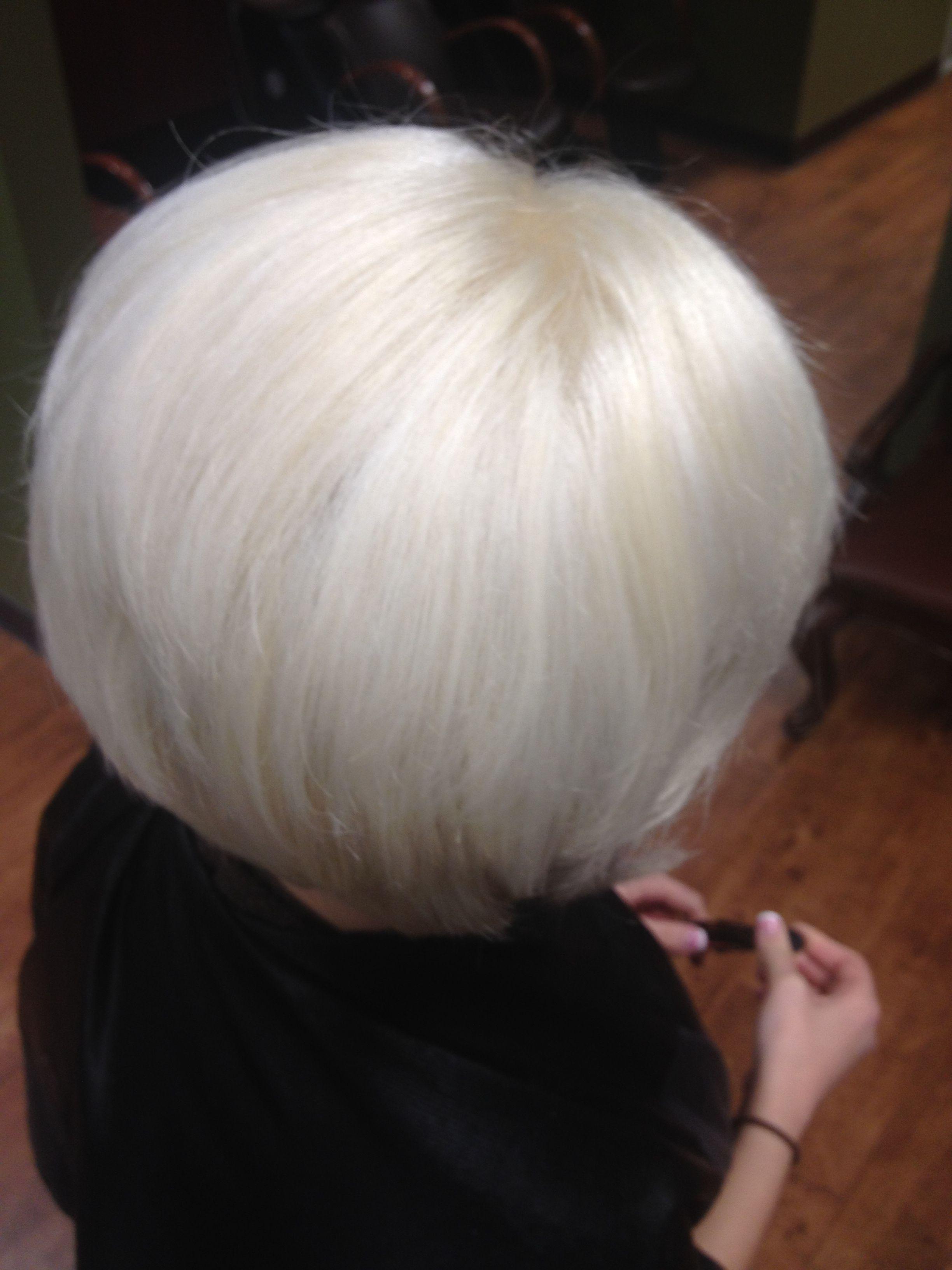 Pure Platinum Beth Minardi Hair By Stephanie Allen Burlington Nc