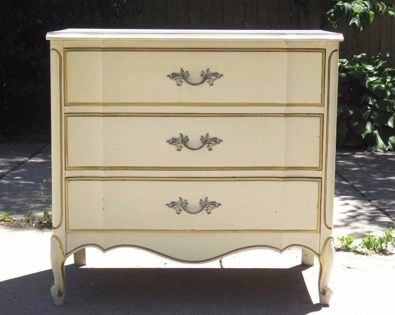 Vintage Dixie French Provincial Bachelor Chest Dresser Nightstand Shabby  Chic | eBay - Vintage Dixie French Provincial Bachelor Chest Dresser Nightstand