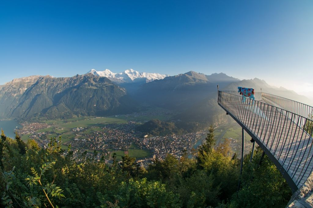 At 1322 m above sea level Interlaken's local mountain – the Harder Kulm – offers the best views of Interlaken as well as the #Eiger, #Mönch and #Jungfrau. And for those with a head for heights, the Two-lake Footbridge is the ideal vantage platform.