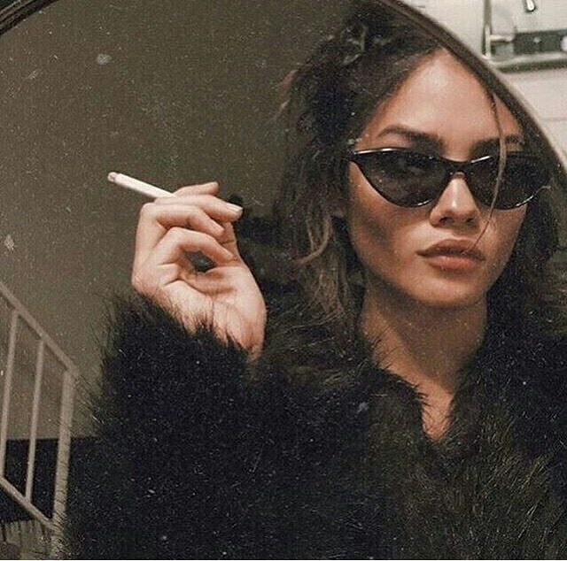 Dievčatá ako fajčenie