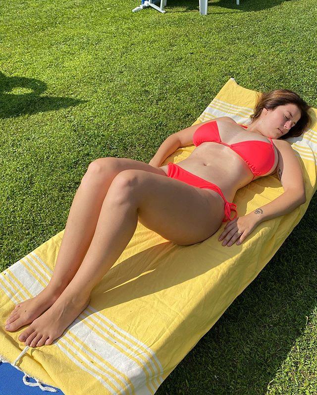 Mădălina Ioana Filip Mady Gio Instagram Fenykepek Es Videok In 2020 Cute Brunette Bikinis Swimwear