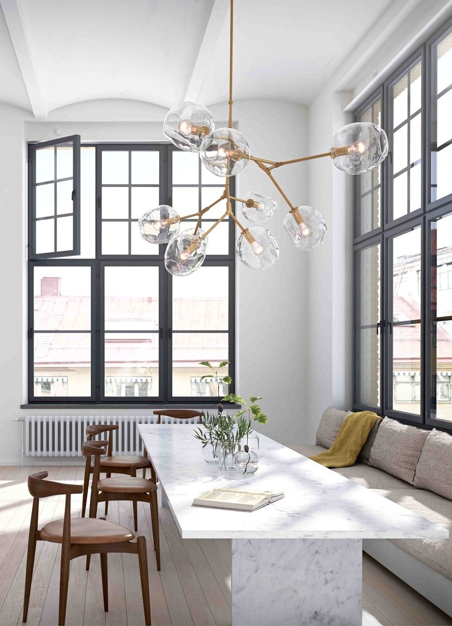 Verwonderend Stijlvolle Glazen Bollen Als Verlichting Boven De Eettafel Roomed HP-99