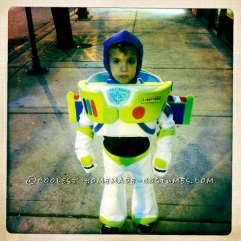 Cool Toddler DIY Halloween Costume Buzz Lightyear Costume Like No Other Buzz!  sc 1 st  Pinterest & Cool Toddler DIY Halloween Costume: Buzz Lightyear Costume Like No ...