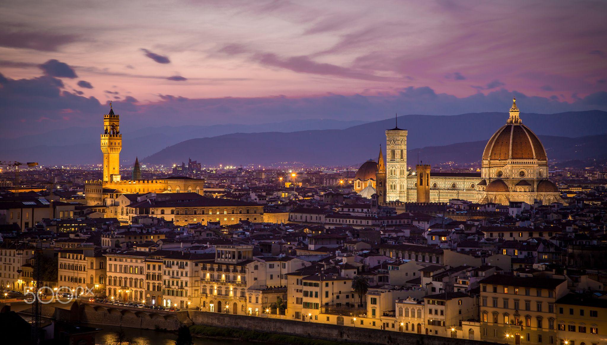 il Duomo e Palazzo Vecchio - null