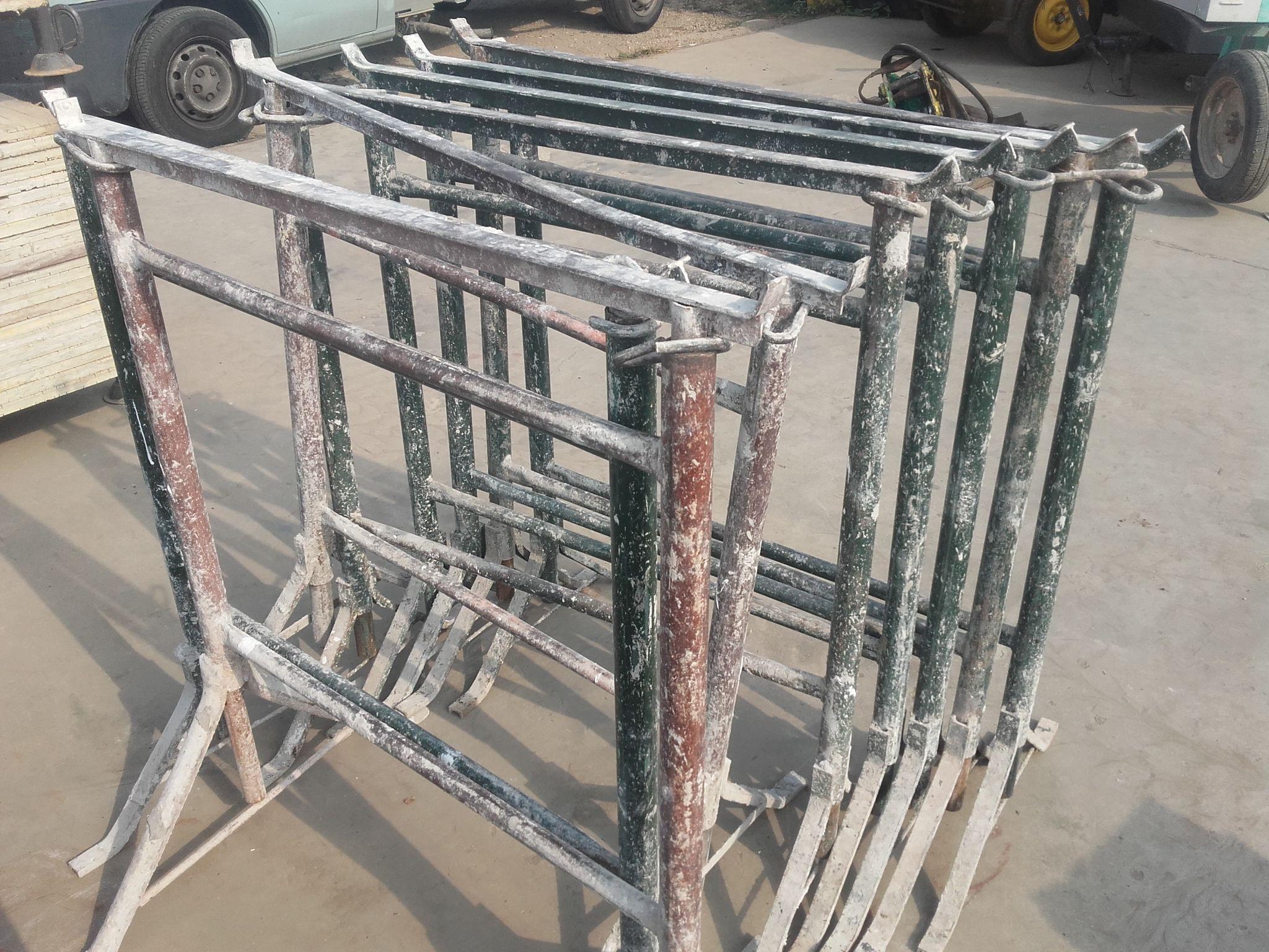 Cavalletti da muratore 15 00 iva cad attrezzature - Tavole da muratore usate ...