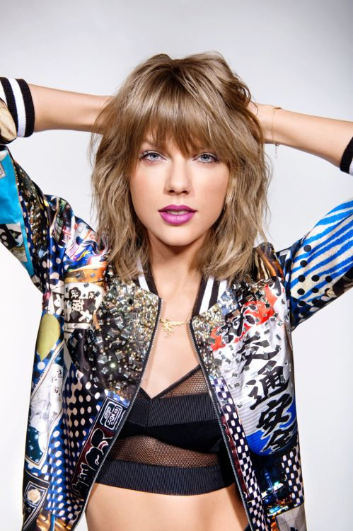 Taylor Swift, by Jordan Hughes for NME