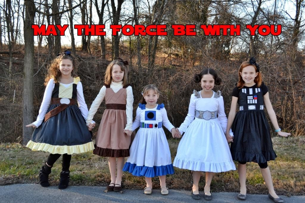 This mom makes her kids\u0027 costumes to match the Disney cast members - mom halloween costume ideas