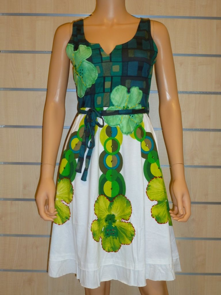 Robe elian 52v20x5 desigual1 | Mano Desigual | Pinterest | Dressing ...