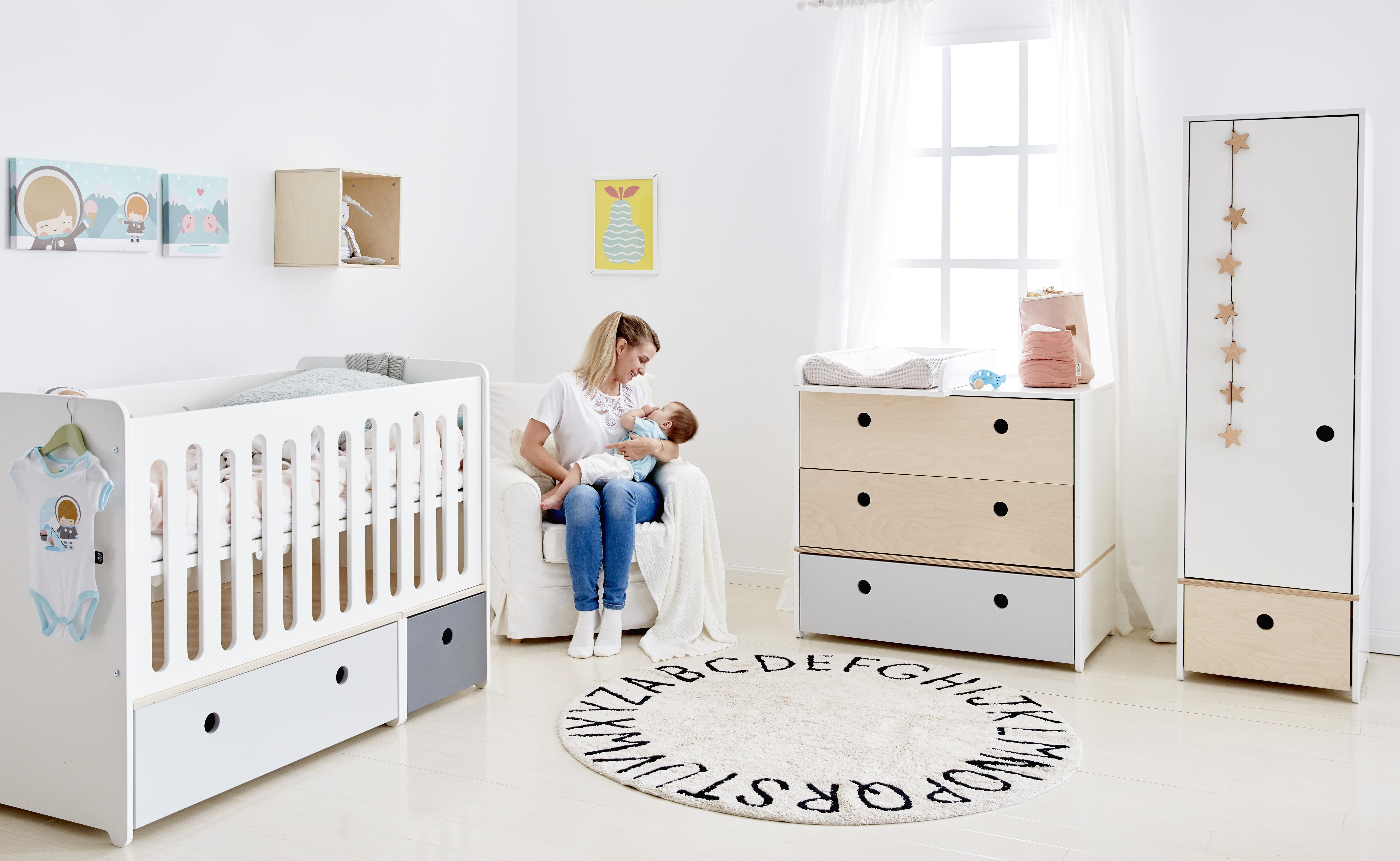 Maman Est Tranquille Pour S Occuper De Son Bebe Colorflex Bebe2019 Kidslife Lovebyak Chambre Bebe Chambre Enfant Decoration Chambre Bebe