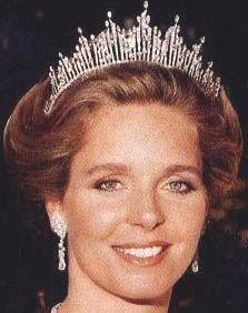 Tiara Mania: Diamond Sunburst Tiara worn by Queen Noor of Jordan