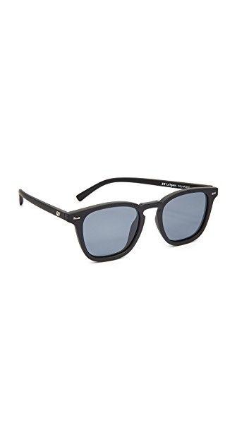 ca5a29546e2a2 Consigue este tipo de gafas de sol de Le Specs ahora! Haz clic para ...