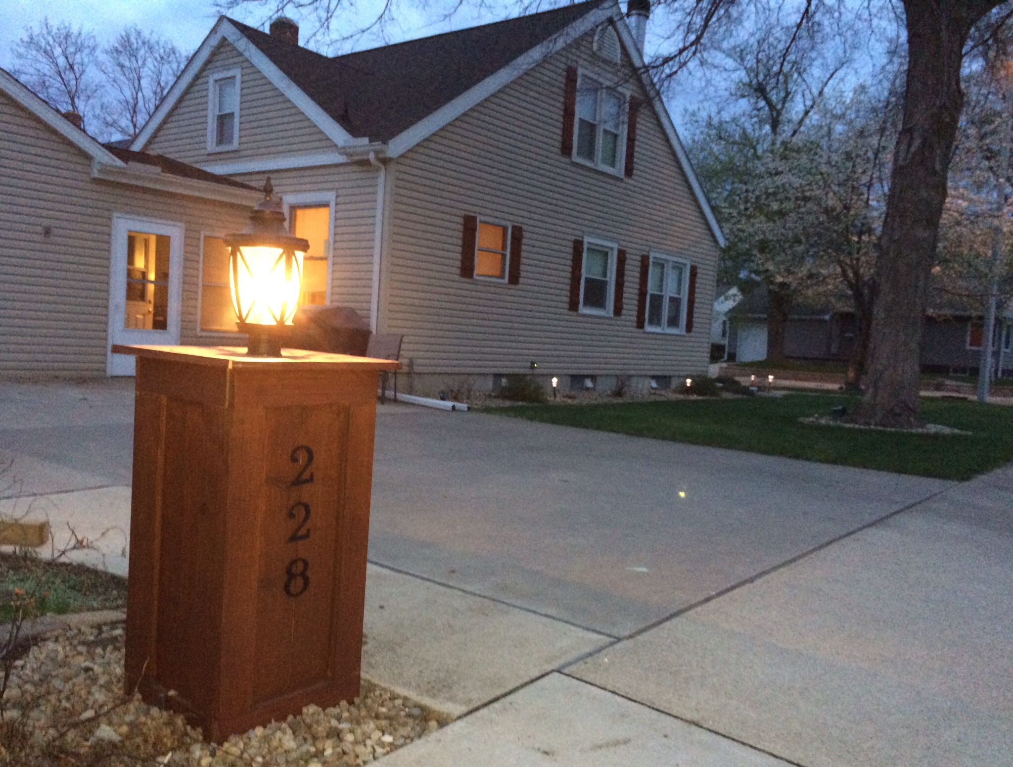 Craftsman Style Lamp Post Inspired By Bungalow Columns On 30 S Era Homes Constructed From Cedar With A Weather Proof Outlet And Photocell Added