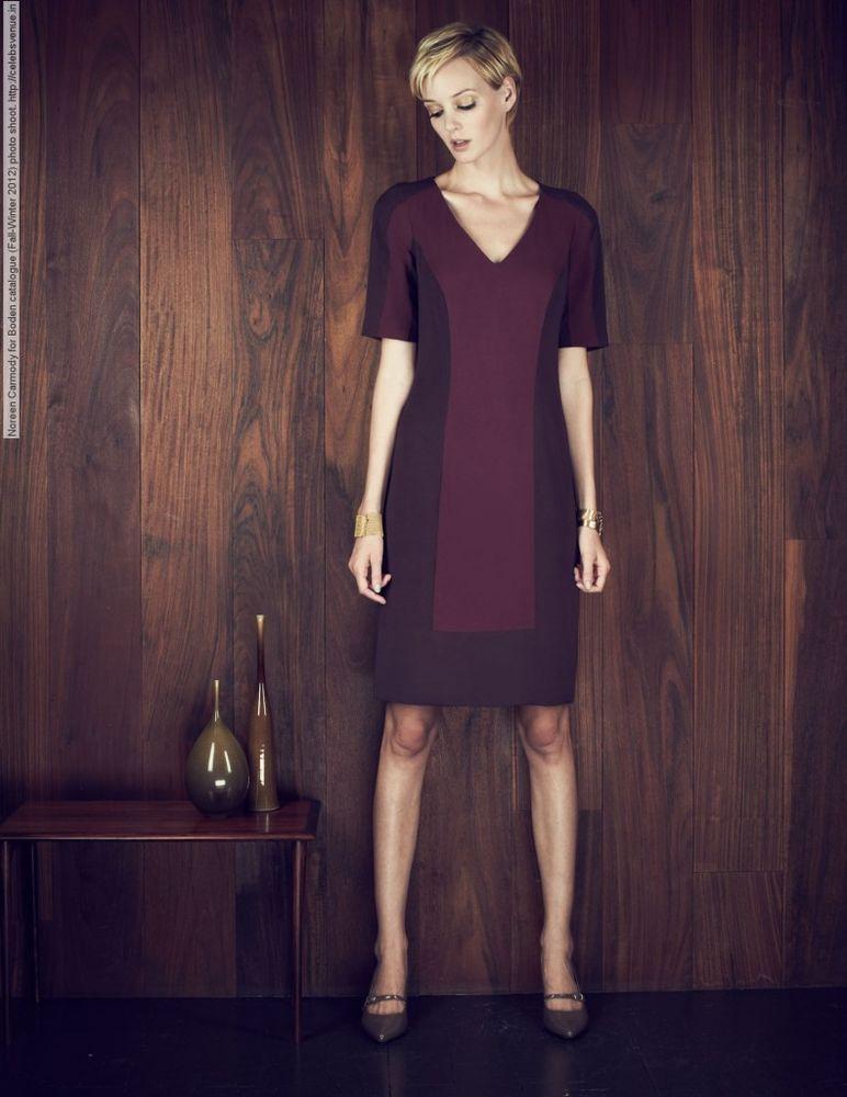 SSLV V-NECK SHIFT DRESS